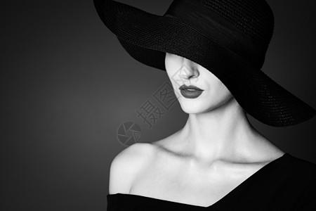 外国优雅女性黑白人像图片