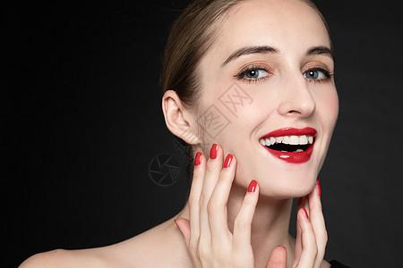 外国优雅女性面部手势图片