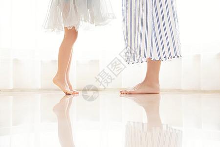 居家母女脚部特写图片