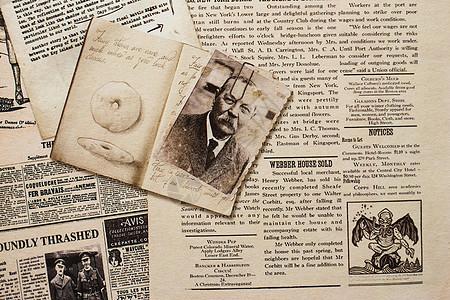 复古老旧英文报纸背景图片