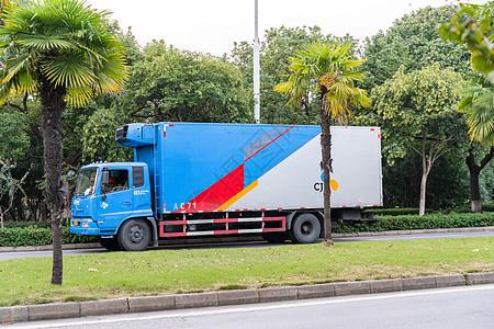 集装箱卡车图片