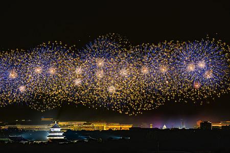 北京天坛的梦幻烟花图片