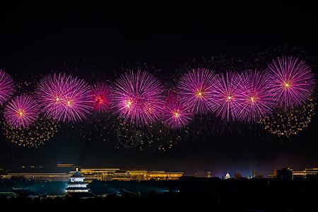 北京天坛的烟花夜空图片