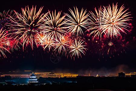 北京天坛的烟花灿烂图片