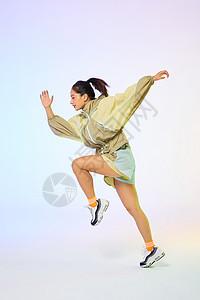 活力女性奔跑图片