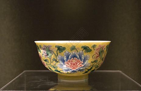 珐琅彩牡丹纹碗图片