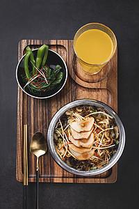 杏鲍菇鱼香肉丝套餐饭图片