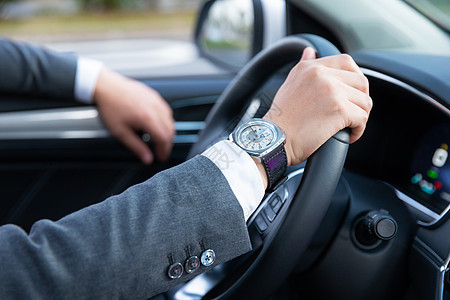 司机驾车专车代驾特写图片
