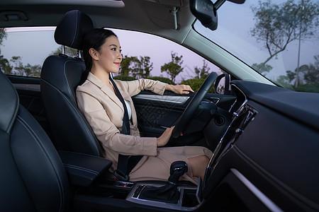 美女代驾司机图片