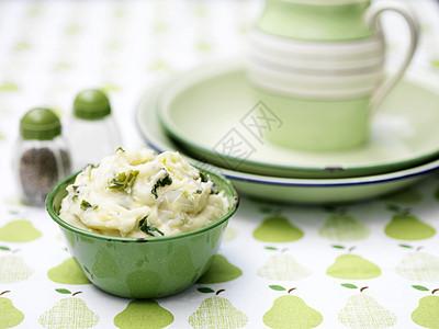 绿色复古碗土豆泥图片