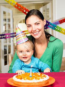 妈妈和小男孩,庆祝图片