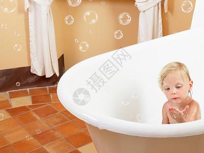 小女孩洗澡泡泡图片