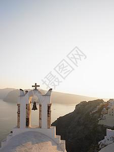 海边教堂钟声图片