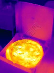 盒装披萨的热像图片
