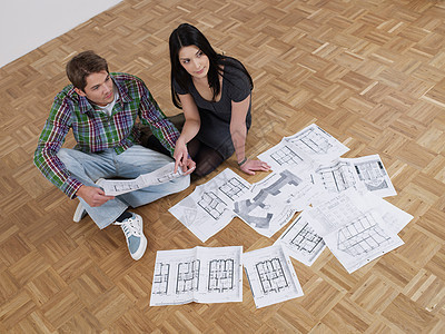 夫妻俩计划公寓翻修图片