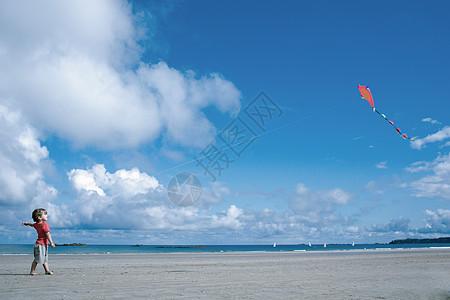 放风筝的小男孩图片