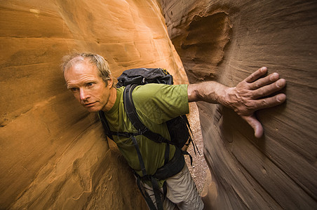 美国犹他州圣拉斐尔沙漠蓝约翰峡谷东岔口徒步旅行图片