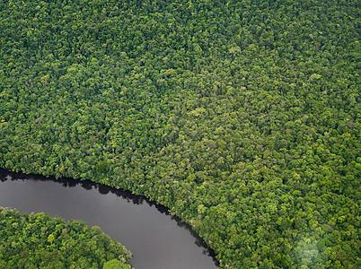 蜿蜒的卡纳玛河图片