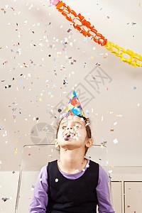 生日的男孩图片