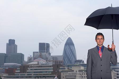 曼恩与雨伞城市景观图片