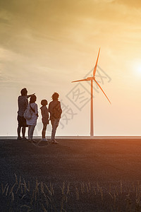 一家人 看风车背影图片