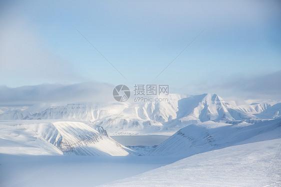 挪威斯瓦尔巴雪山景观图片