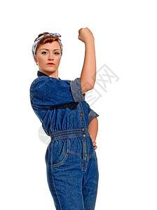 复古风格的年轻女子屈肌图片