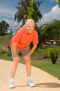 女子跑步运动员图片