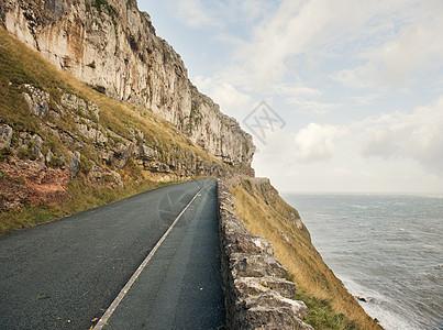 英国威尔士兰德诺悬崖边的空路图片
