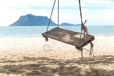 泰国苏梅岛海滩秋千图片