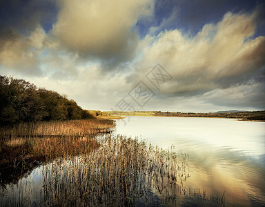 英国北爱尔兰弗马纳湖厄恩湖上的博亚岛景色图片