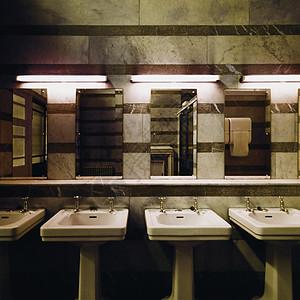 公共浴室图片