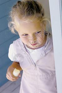 吃香蕉的女孩图片