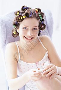 女人涂指甲图片