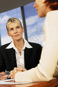女企业家办公室会议图片