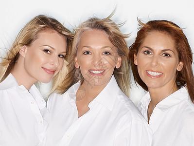 三个女人的集体画像图片
