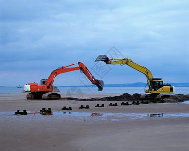 海滩上的推土机图片