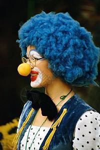 小丑的侧面图片