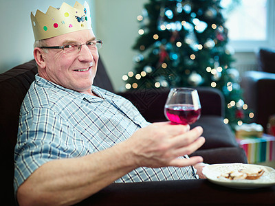 戴圣诞帽肖像的老人图片