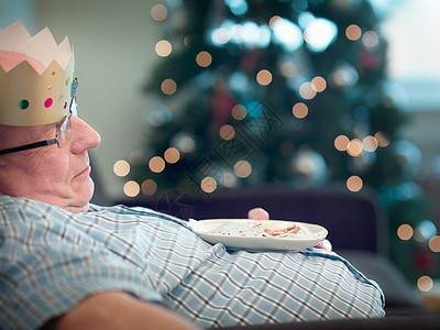 戴派对帽的老人图片