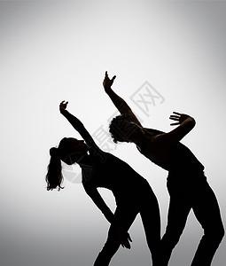 情侣的舞蹈剪影图片