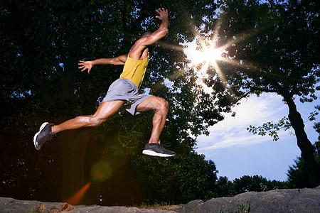 公园里的运动员图片