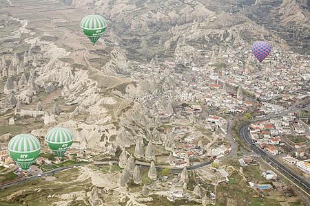 卡帕多西亚上空的热气球图片