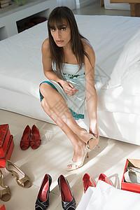 穿鞋子的女人图片