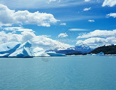 阿根廷湖上的冰山图片