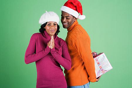 男人给女人的惊喜礼物图片