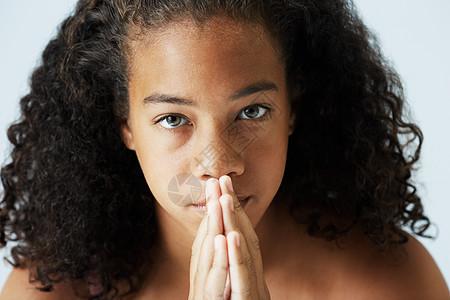 非裔美国少女特写形象图片