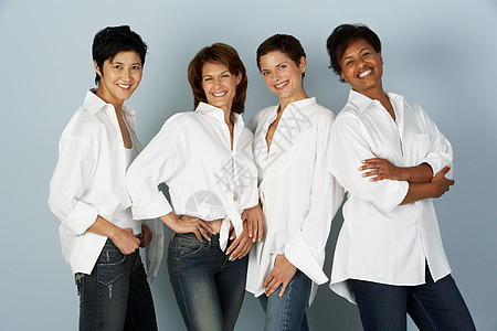 四个女人的肖像图片
