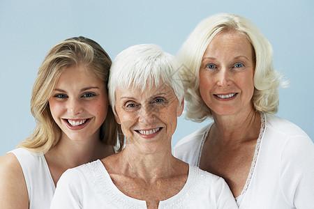 三个女人的肖像图片