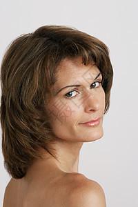 中年女性肖像图片